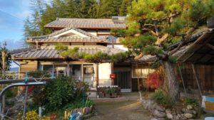 IMG 0393 1 300x169 - 【成約済】囲炉裏と対面キッチンに人が集まる9LDK古民家。木津川市加茂町。